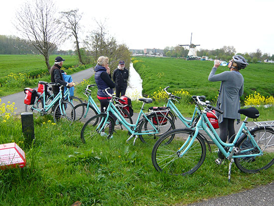 Cycling Path Break Radweg Pause Fietspad Pauze Bicycles Fahrräder Fietsen