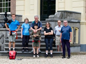Schloss Castle Kasteel Group Cyclists Gruppe Radfahrer Groep Fietsers