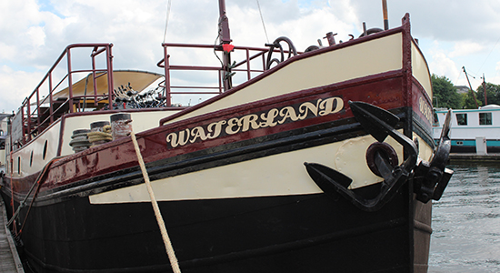 Barge Waterland